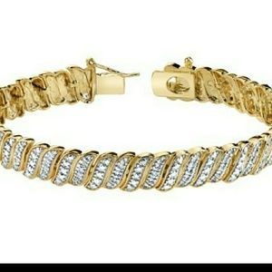 Jewelry - NWT 18k gold plated Tennis Bracelet